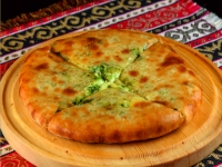 Хачапури с сыром и шпинатом